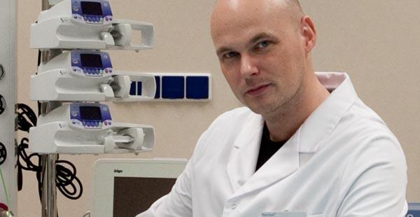 chirurg plastyczny lekarz medycyny Michał Piotrowiak Meritum Centrum Medyczne