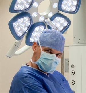 chirurg plastyczny dr Michał Piotrowiak Meritum Centrum Medyczne operacje plastyczne